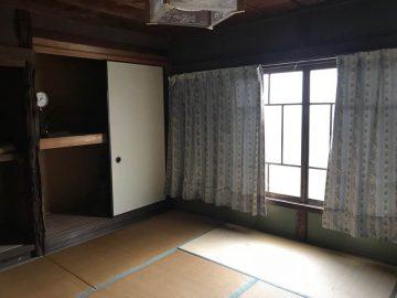 2階部分 8畳和室は道に面しており陽当り良好です。